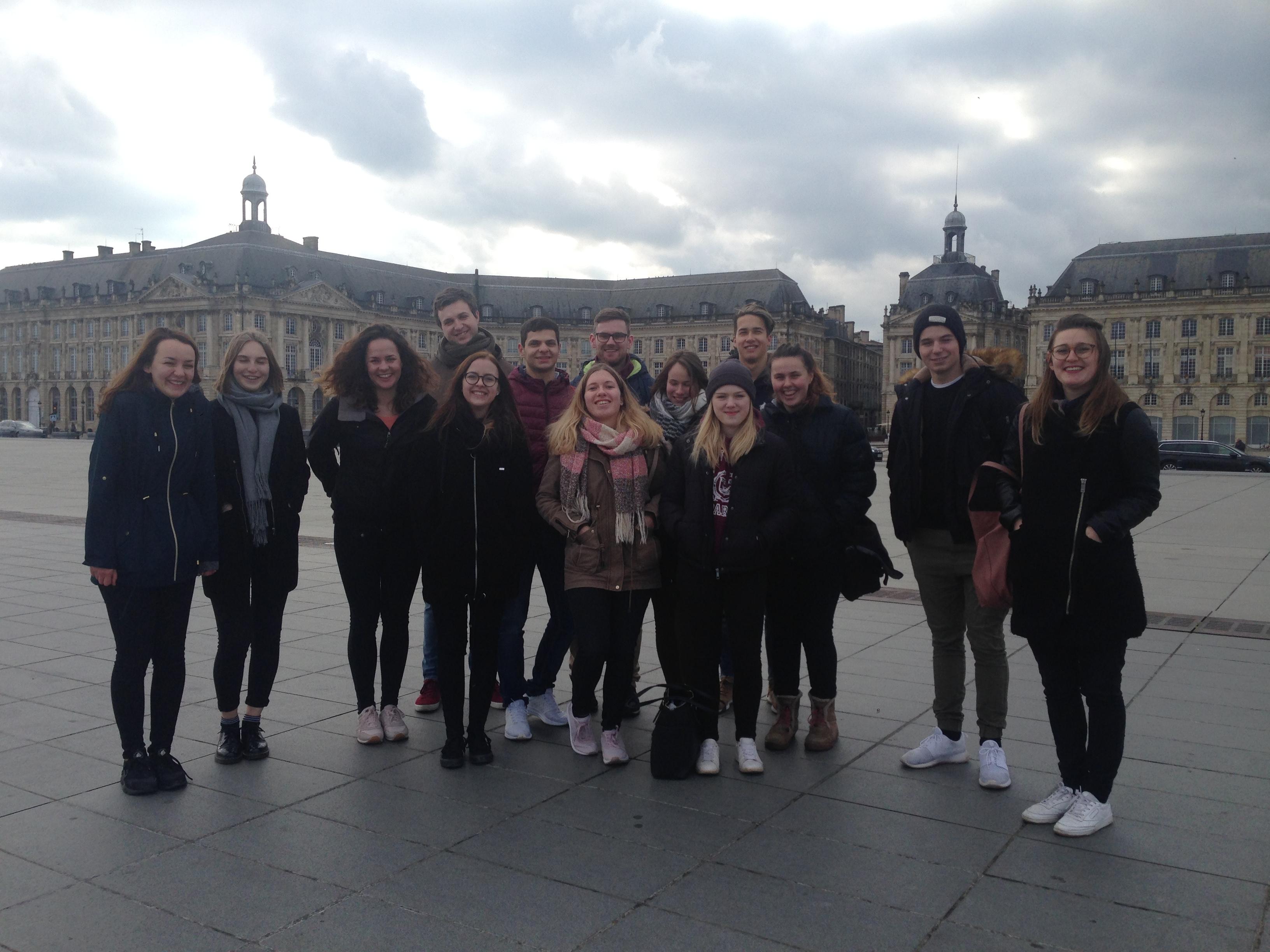 visite de la ville city tour interculturalité bordeaux européen suisse europe erasmus association odyssée